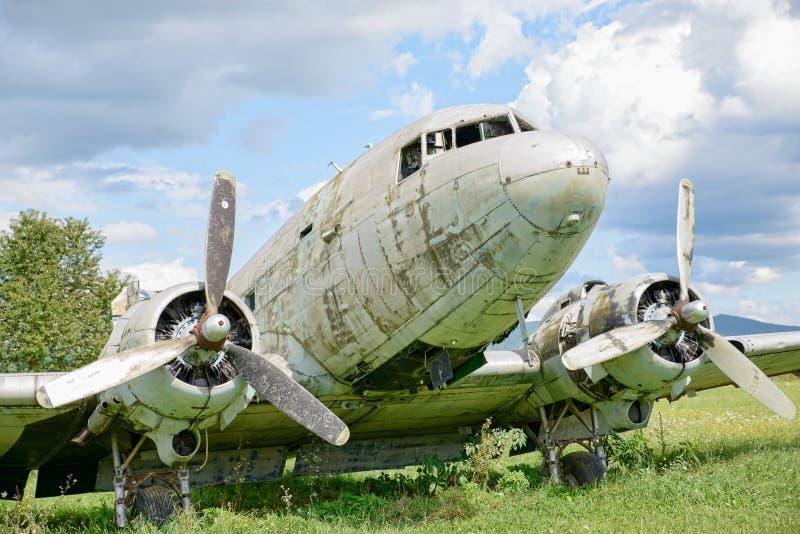 Συντρίμμια αεροπλάνων σε έναν τομέα στοκ εικόνες