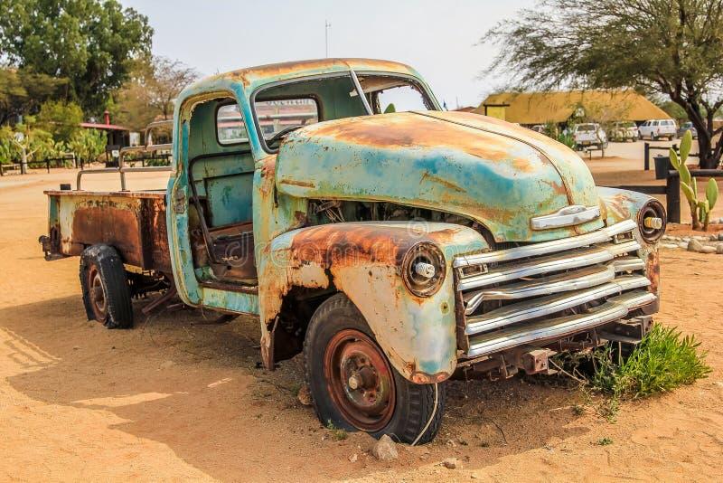 Συντρίμμια αυτοκινήτων στην έρημο στοκ εικόνες