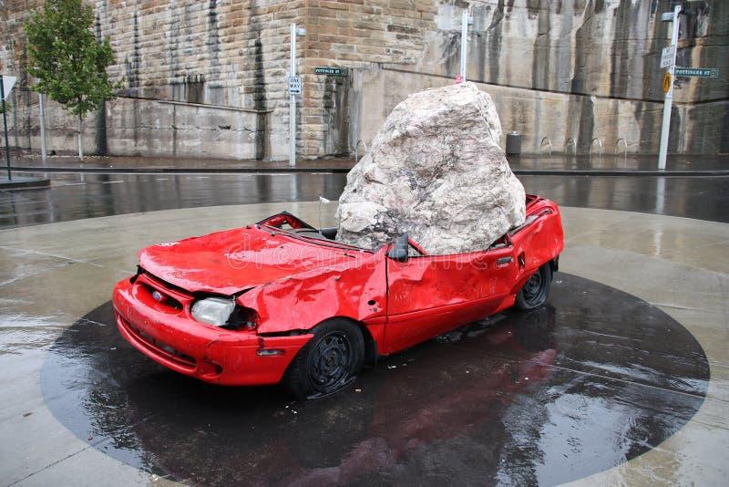 Συντριμμένο το Σίδνεϊ γλυπτό αυτοκινήτων στοκ εικόνα