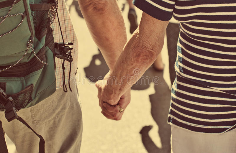 συνδέστε τους ηλικιωμένους στοκ φωτογραφία