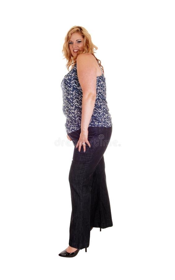Συν τη γυναίκα μεγέθους στα τζιν στοκ εικόνες με δικαίωμα ελεύθερης χρήσης
