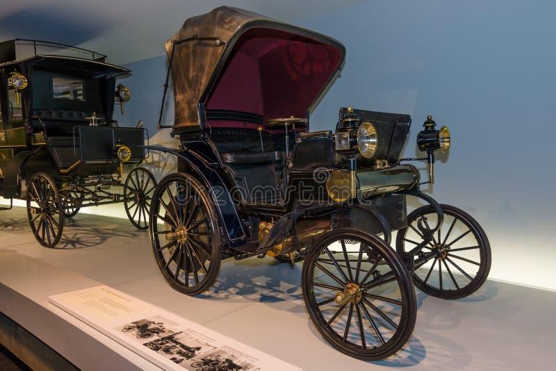 Συρόμενος με ιμάντα αυτοκίνητο Daimler, 1896 στοκ φωτογραφίες