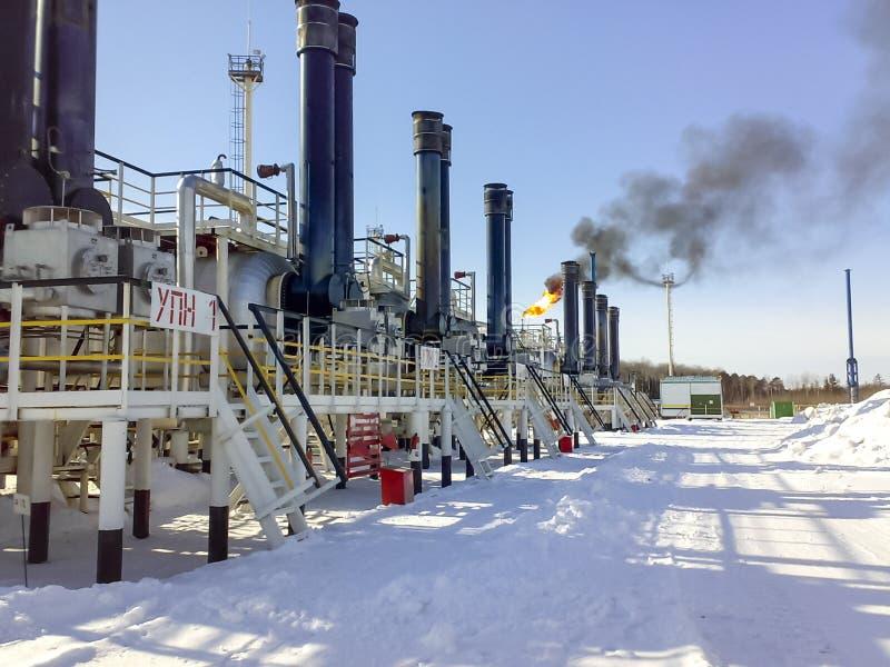 Συσκευές για την προετοιμασία του εμπορικού πετρελαίου hitter-Tritters, άποψη από το εξωτερικό, υπαίθρια στοκ εικόνες