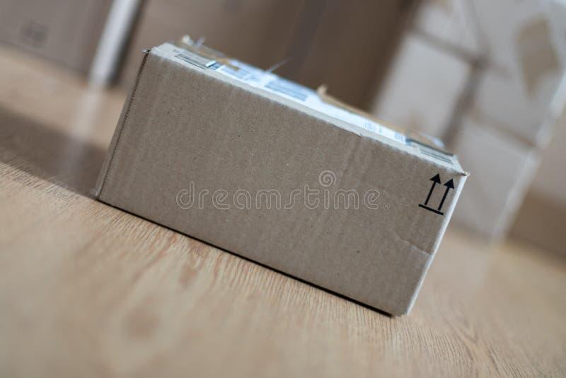 Συσκευασία κουτιών από χαρτόνι, αντίληψη ναυτιλίας: Να προετοιμαστεί για την παράδοση στοκ φωτογραφίες με δικαίωμα ελεύθερης χρήσης