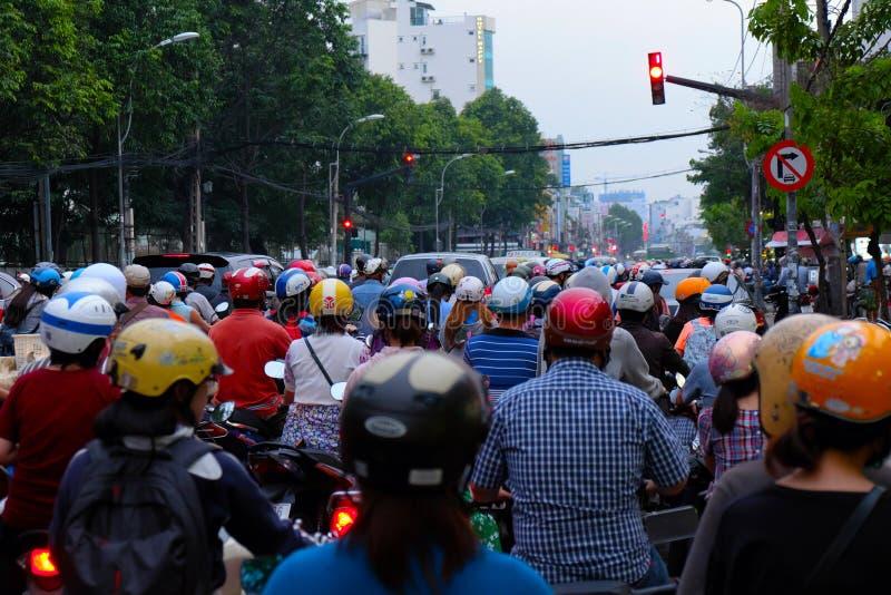 Συσσωρευμένη ασιατική πόλη στη ώρα κυκλοφοριακής αιχμής στοκ φωτογραφίες με δικαίωμα ελεύθερης χρήσης
