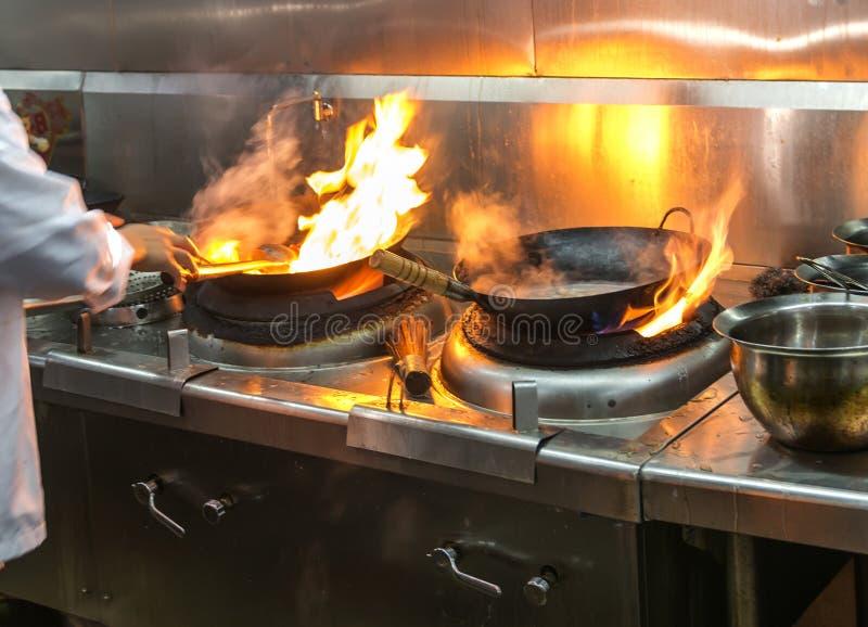 Συσσωρευμένη κουζίνα, στοκ εικόνα