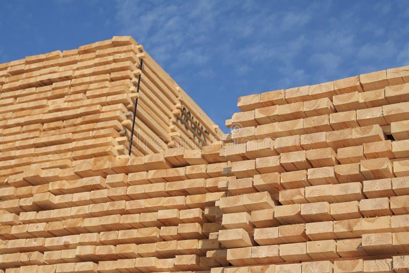 Download συσσωρευμένη ξυλεία στοκ εικόνες. εικόνα από υλικό, ξυλεία - 2227800