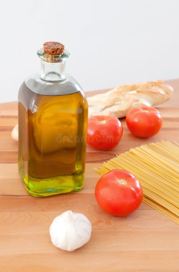 Συστατικά για να κάνει ένα εύγευστο πιάτο των ζυμαρικών στοκ φωτογραφίες με δικαίωμα ελεύθερης χρήσης