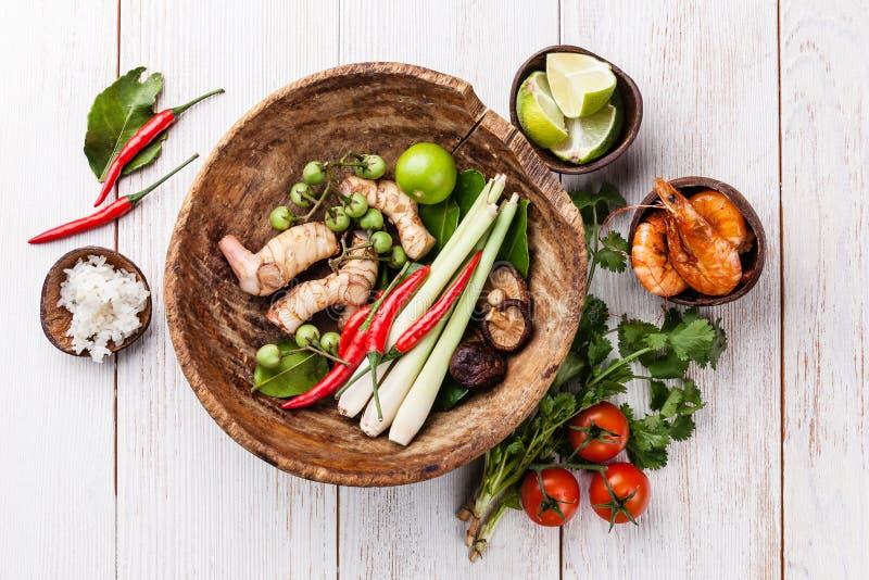 Συστατικά για την ταϊλανδική διοσκορέα του Tom σούπας στοκ εικόνα