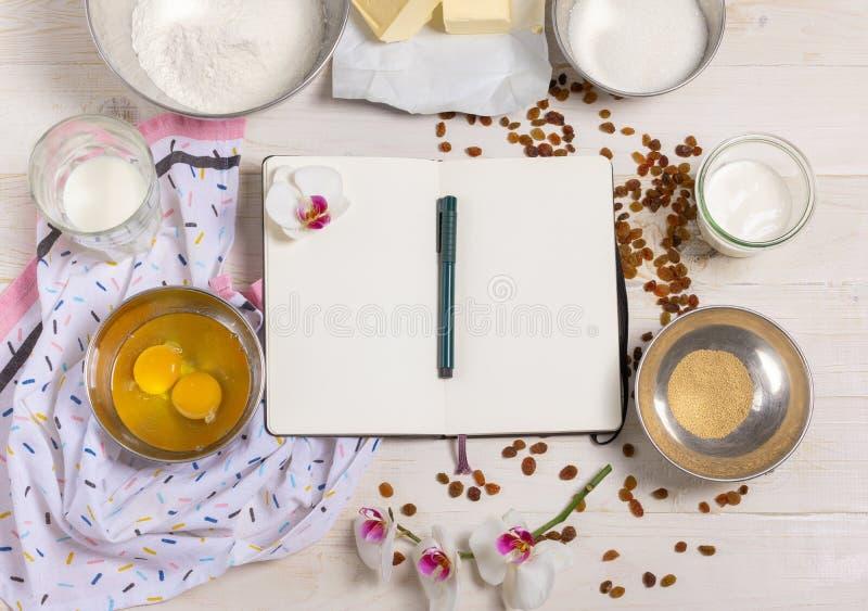 Συστατικά για τη ζύμη Πάσχας στοκ φωτογραφία με δικαίωμα ελεύθερης χρήσης