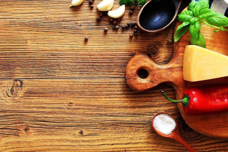 Συστατικά για το μαγείρεμα των τροφίμων Τοπ όψη στοκ φωτογραφία με δικαίωμα ελεύθερης χρήσης
