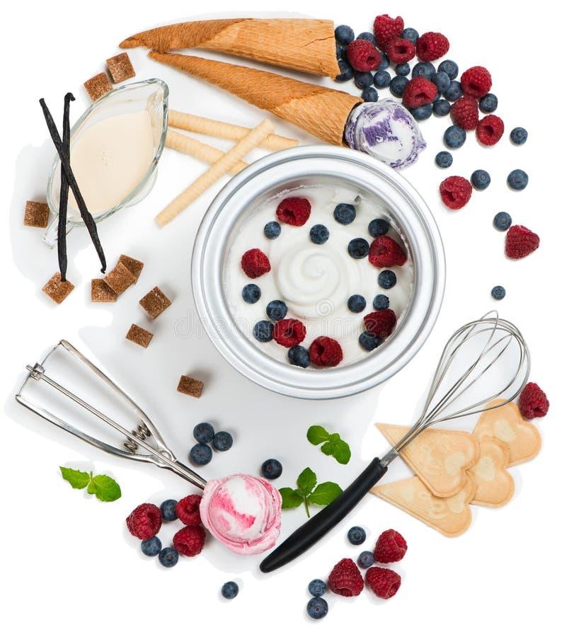 Συστατικά για το παγωτό του μούρου, τοπ άποψη στοκ φωτογραφία με δικαίωμα ελεύθερης χρήσης