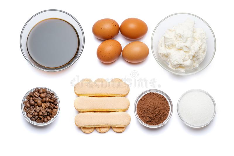 Συστατικά για το tiramisu μαγειρέματος - μπισκότα, mascarpone, κρέμα, ζάχαρη, κακάο, καφές και αυγό μπισκότων Savoiardi στοκ εικόνες με δικαίωμα ελεύθερης χρήσης