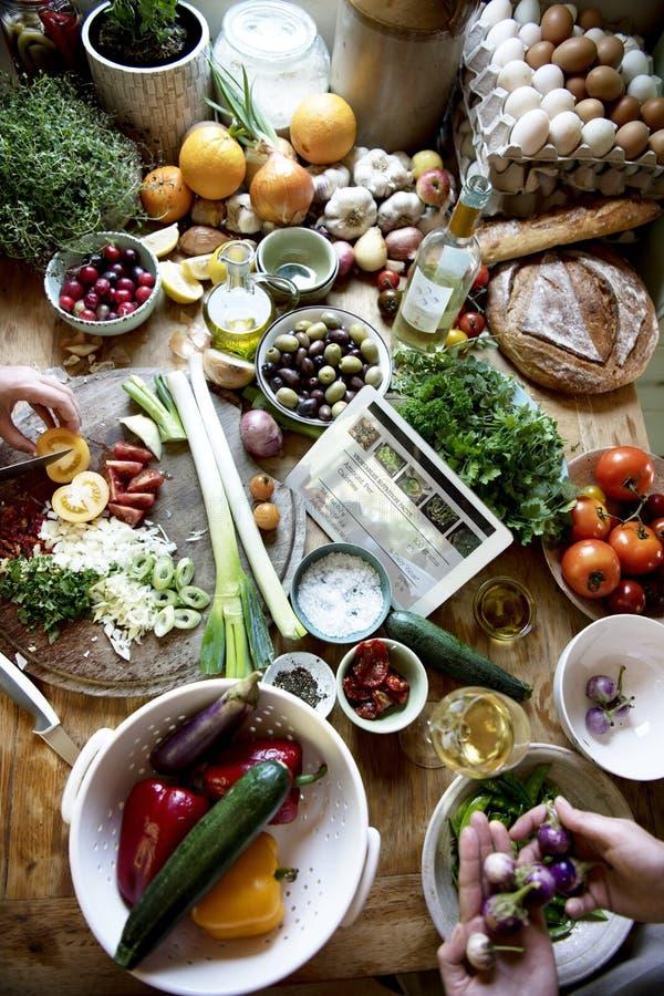 Συστατικά που προετοιμάζονται φυτικά για το μαγείρεμα στοκ φωτογραφία με δικαίωμα ελεύθερης χρήσης