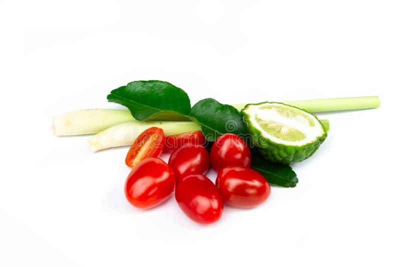 Συστατικά, lemongrass, ντομάτες κερασιών, kaffir φύλλα ISO ασβέστη στοκ φωτογραφία με δικαίωμα ελεύθερης χρήσης