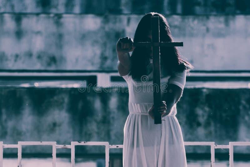 Συχνασμένη γυναίκα στοκ εικόνα με δικαίωμα ελεύθερης χρήσης