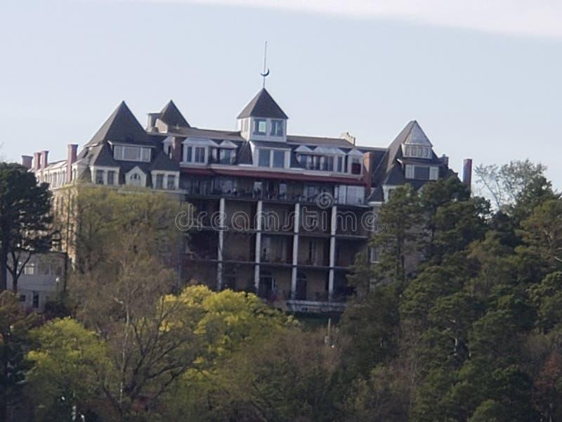 Συχνασμένο ημισεληνοειδές ξενοδοχείο στοκ εικόνα