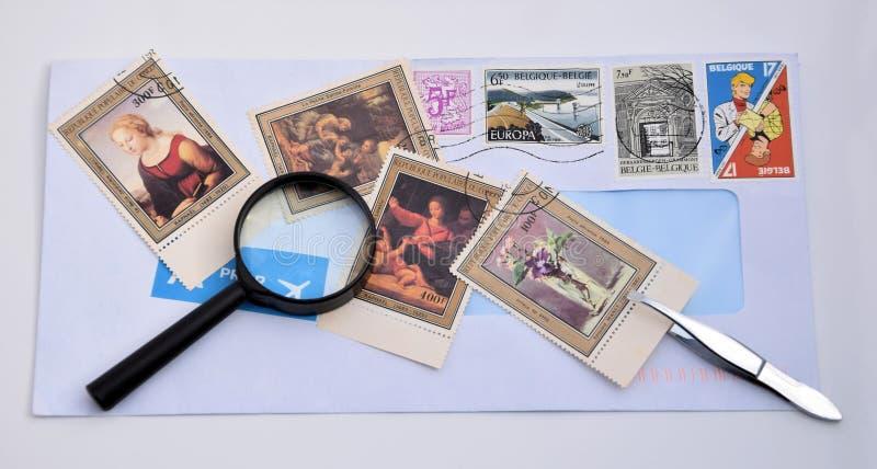 συλλέξτε τα γραμματόσημα στοκ εικόνες