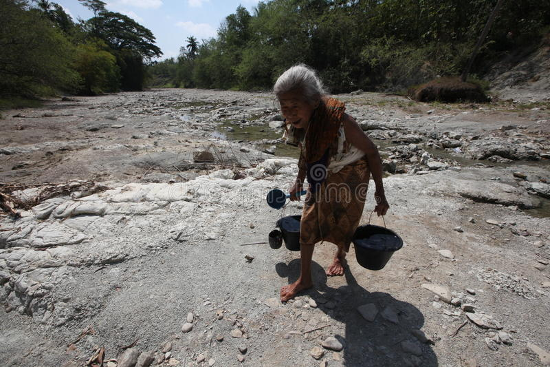 Συλλέξτε το νερό στοκ εικόνα με δικαίωμα ελεύθερης χρήσης