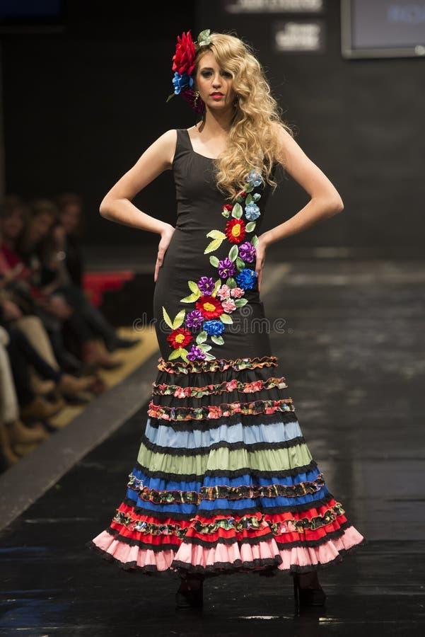 Συλλογή προθηκών της Carmen Rojo σε Pasarela Flamenca Jerez 2015 στοκ φωτογραφία με δικαίωμα ελεύθερης χρήσης