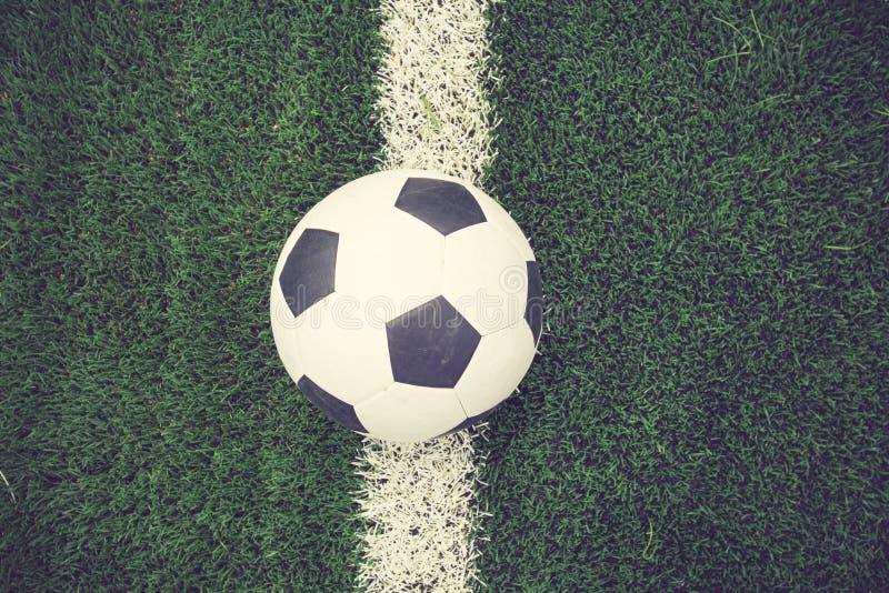 Σφαίρα γραμμών χλόης σταδίων αγωνιστικών χώρων ποδοσφαίρου ποδοσφαίρου στοκ εικόνες