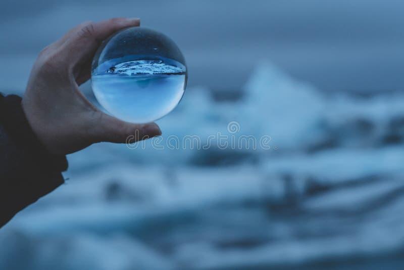 Σφαίρα κρυστάλλου στην Ισλανδία στοκ εικόνες με δικαίωμα ελεύθερης χρήσης