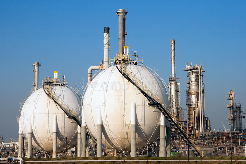 Σφαιρική δεξαμενή αερίου στοκ φωτογραφίες με δικαίωμα ελεύθερης χρήσης