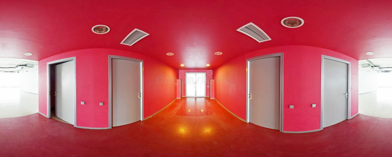Σφαιρικοί 360 βαθμοί προβολής πανοράματος, εσωτερικό κενό κόκκινο δωμάτιο στα σύγχρονα επίπεδα διαμερίσματα στοκ εικόνα με δικαίωμα ελεύθερης χρήσης