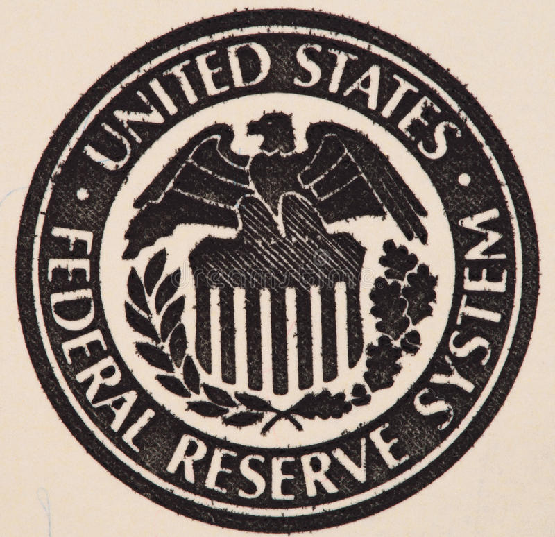 Σφραγίδα του συστήματος Κεντρικής Τράπεζας των ΗΠΑ εμείς λογαριασμός 100 δολαρίων πρώην στοκ φωτογραφία