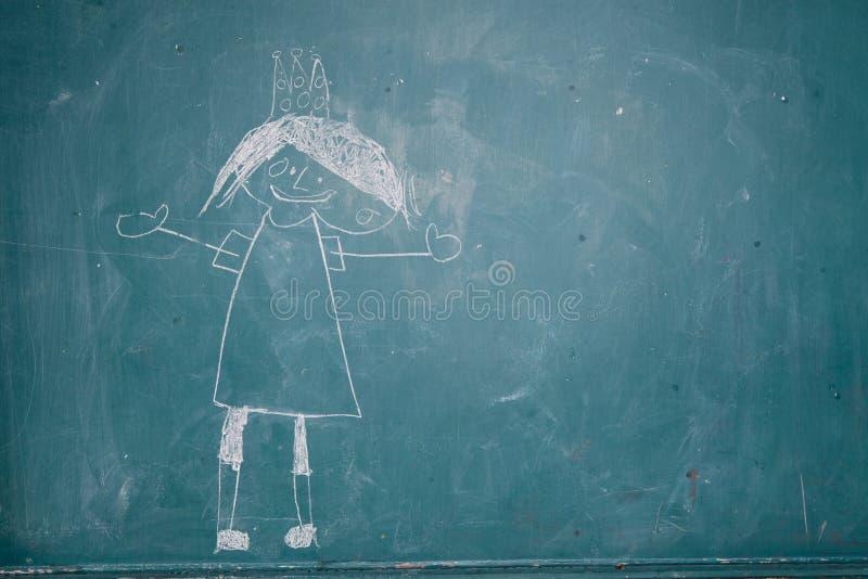 Σχέδιο της πριγκήπισσας στον πίνακα κιμωλίας από το παιδί απεικόνιση αποθεμάτων