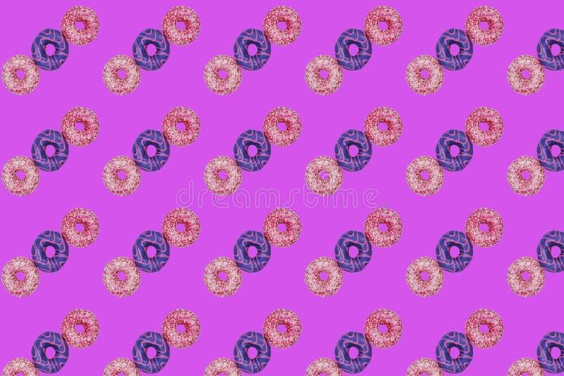 Σχέδιο τριών γλυκών donuts στοκ φωτογραφίες με δικαίωμα ελεύθερης χρήσης