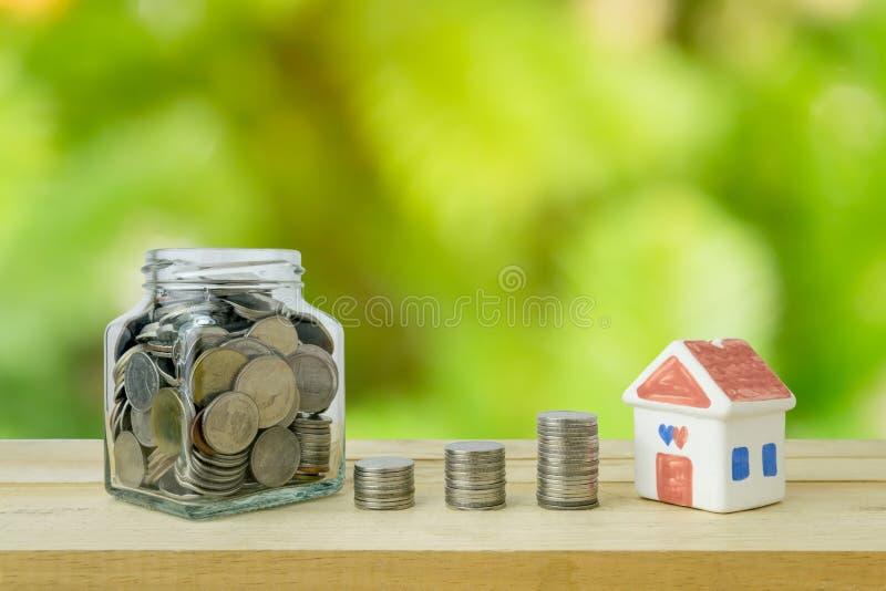 Σχέδια αποταμίευσης για την κατοικία, οικονομική έννοια στοκ φωτογραφίες