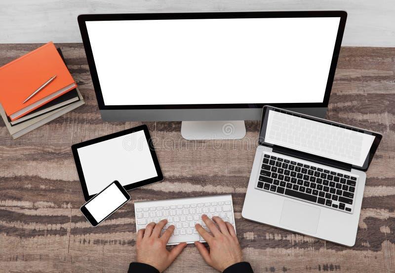 Σχεδιαστής και συσκευές με το διάστημα αντιγράφων στοκ εικόνα με δικαίωμα ελεύθερης χρήσης