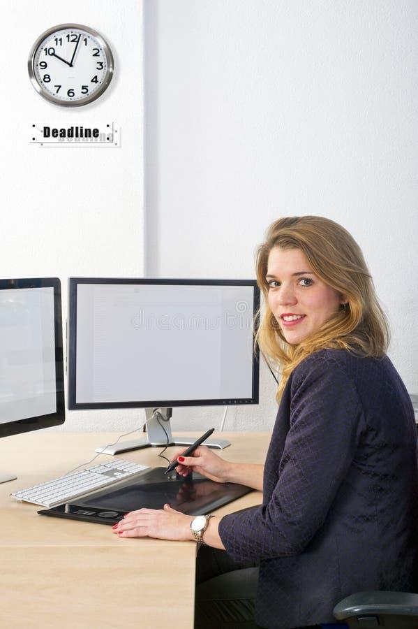 Σχεδιαστής στην προθεσμία στοκ εικόνες με δικαίωμα ελεύθερης χρήσης