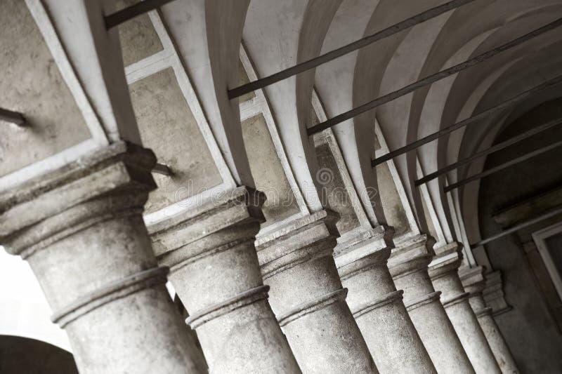 Σχηματισμένος αψίδα διάδρομος στοκ φωτογραφία με δικαίωμα ελεύθερης χρήσης