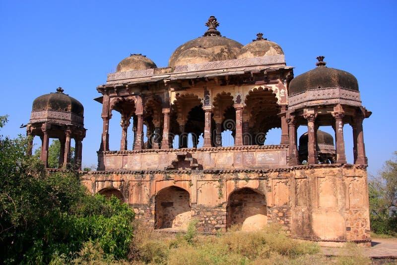 Σχηματισμένος αψίδα ναός στο οχυρό Ranthambore, Ινδία στοκ εικόνα με δικαίωμα ελεύθερης χρήσης