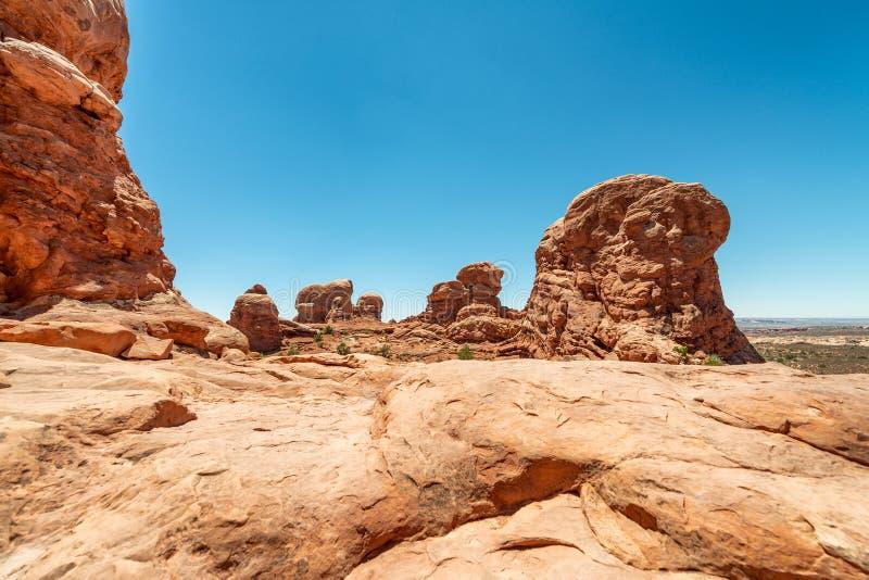 Σχηματισμοί βράχου μέσα στο εθνικό πάρκο αψίδων, ΗΠΑ στοκ φωτογραφία με δικαίωμα ελεύθερης χρήσης