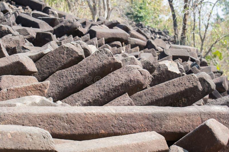 Σχηματισμοί βράχου στηλών βασαλτών Ινδία στοκ εικόνες