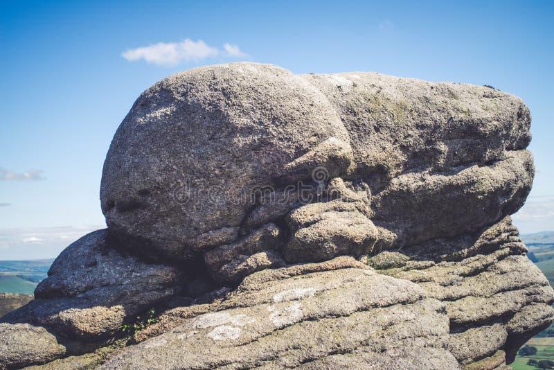 Σχηματισμοί βράχου στην κοιλάδα ελπίδας στο μέγιστο εθνικό πάρκο περιοχής, Derbyshire στοκ εικόνα με δικαίωμα ελεύθερης χρήσης