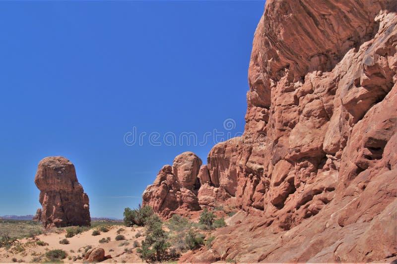 Σχηματισμοί βράχου στο εθνικό πάρκο αψίδων στη Γιούτα στοκ φωτογραφία με δικαίωμα ελεύθερης χρήσης
