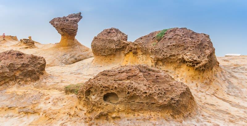 Σχηματισμοί βράχου Hoodoo στο ακρωτήριο Yehliu στοκ φωτογραφίες