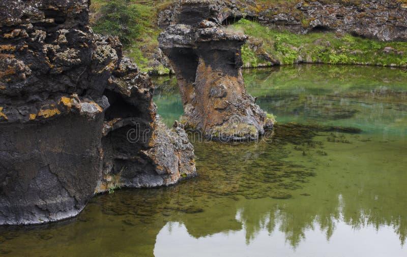Σχηματισμοί λιμνών και λάβας σε Myvatn Ισλανδία στοκ φωτογραφία με δικαίωμα ελεύθερης χρήσης