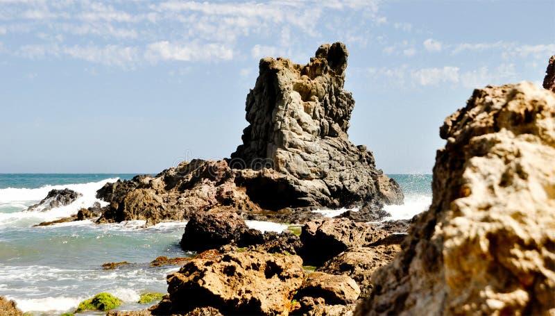 Σχηματισμός βράχου στη Μεσόγειο Φυσικό πάρκο Cabo DA Gata, Αλμερία, Ανδαλουσία, Ισπανία στοκ εικόνα με δικαίωμα ελεύθερης χρήσης