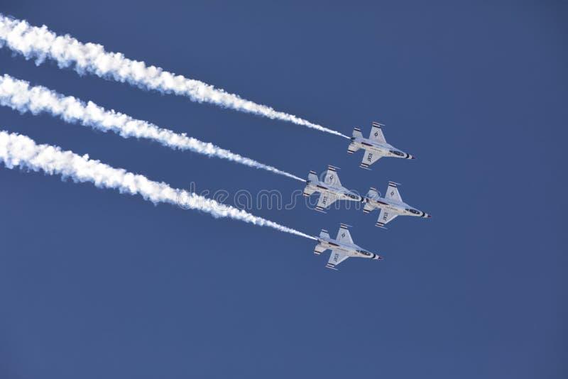 Σχηματισμός Thunderbirds στοκ εικόνες με δικαίωμα ελεύθερης χρήσης