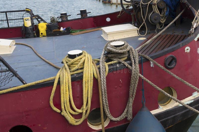 Σχοινιά στη βάρκα στοκ εικόνες με δικαίωμα ελεύθερης χρήσης