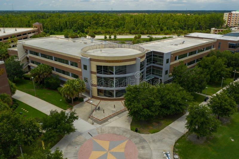 Σχολή της ψυχολογίας που χτίζει την πανεπιστημιούπολη UCF στοκ εικόνες