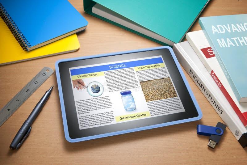 σχολείο εκμάθησης εκπαίδευσης βιβλίων ipad στοκ φωτογραφίες