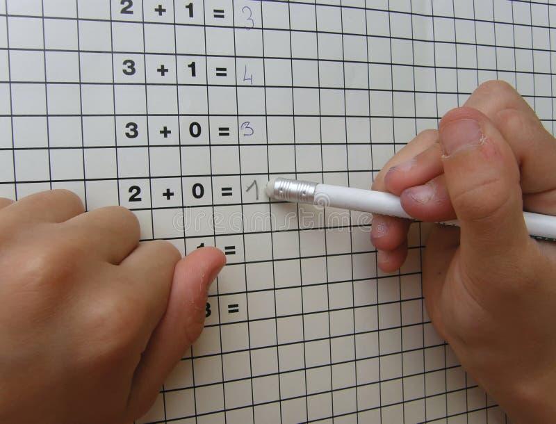 σχολείο κοριτσιών γομών math στοκ εικόνα με δικαίωμα ελεύθερης χρήσης