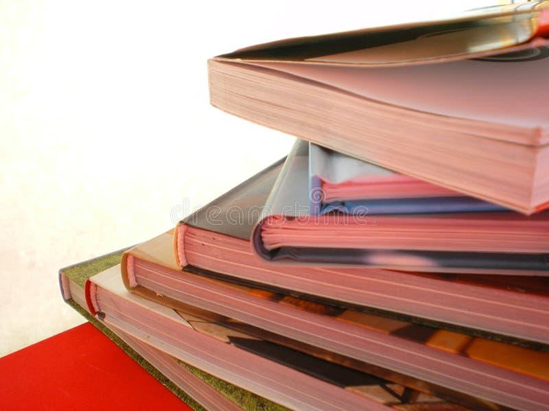 σχολείο σωρών εκπαίδευσης βιβλίων στοκ φωτογραφία