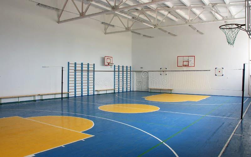 Σχολική γυμναστική εσωτερική στοκ φωτογραφίες
